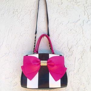 Betsey Johnson Purse 🎀 shoulder strap.Bow.Pink